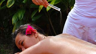 Massage Exfoliant à l'Ecole Internationale de massage Tahitien Tahiti Massage