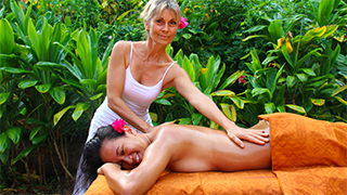 Massage Profond à l'Ecole Internationale de massage Tahitien Tahiti Massage